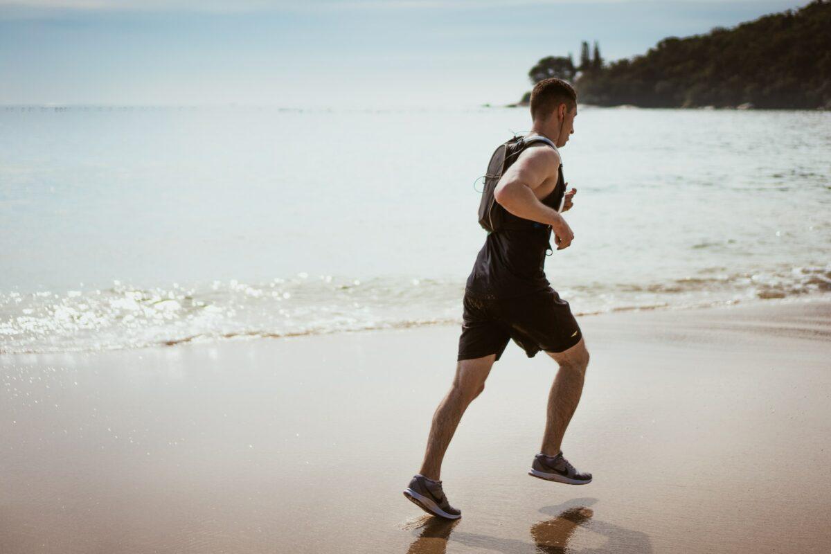 Planujesz realizować swoje pasje sportowe na urlopie za granicą?